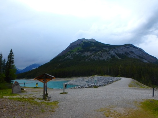 Trailhead (upper lake trail) with Mt. Indefatigable behind