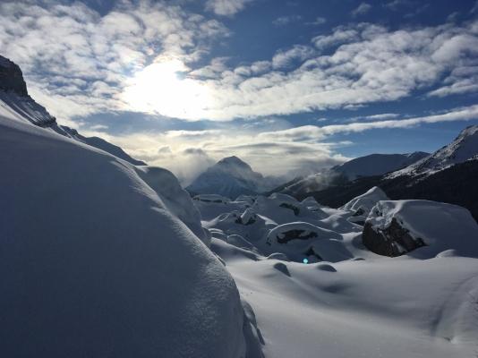 Snow, sun, mountains