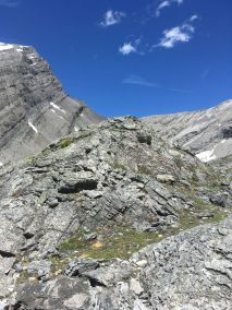 A small ridge before ascending the pass